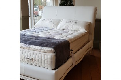 5'0 Bonaparte Socle Bed in White Leather - EX DISPLAY