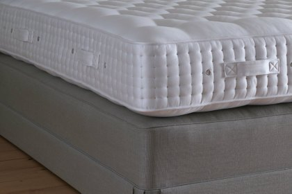Vispring Excellence Mattress King (150 x 200cm) - Ex Display