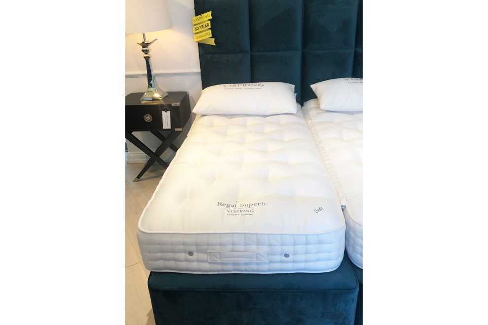 Vispring Long Single (90 x 200 cm) Regal Superb Mattress Soft  & Divan Set with Headboard - EX DISPL